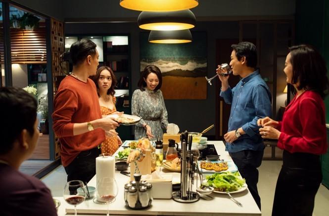 """""""Tiệc Trăng Máu"""": Bản remake hài hước, trọn vẹn của đạo diễn Nguyễn Quang Dũng - ảnh 2"""