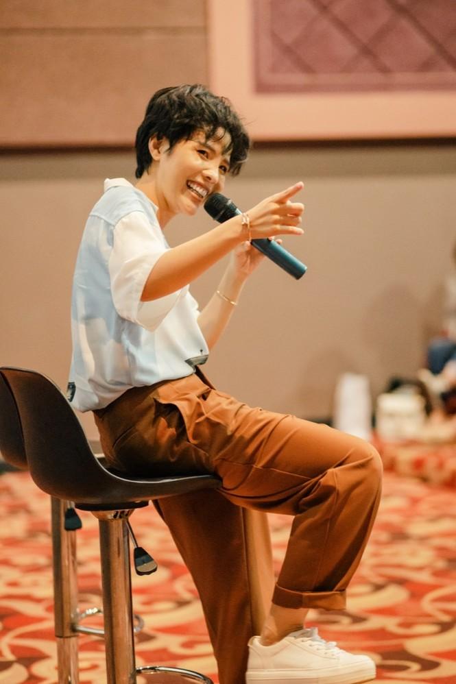"""Vũ Cát Tường đọc thư fan gửi, lần đầu """"hát chay"""" ca khúc """"Hành Tinh Ánh Sáng"""" - ảnh 3"""