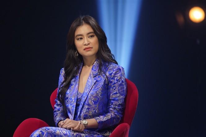 Hoàng Thuỳ Linh gây bất ngờ khi tiết lộ hơn 30 tuổi vẫn để mẹ quản lý thu nhập - ảnh 1