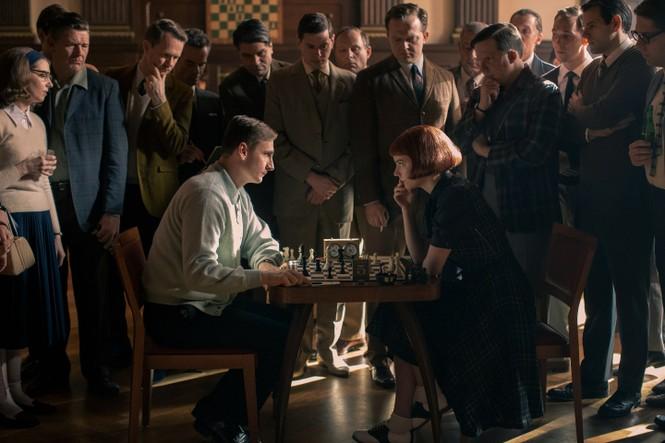 """""""Gambit Hậu"""": Hấp dẫn đến thế nào mà có thể khiến khán giả rủ nhau chơi cờ vua? - ảnh 4"""
