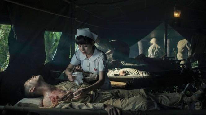 Hiền Hồ trở lại với thế mạnh ballad, diễn xuất bi thương ám ảnh trong MV mới  - ảnh 5