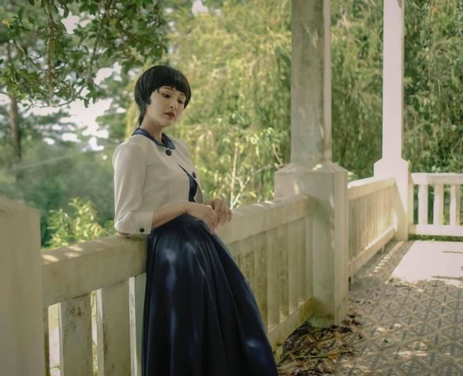 Hiền Hồ trở lại với thế mạnh ballad, diễn xuất bi thương ám ảnh trong MV mới  - ảnh 6