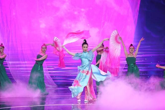 Hoàng Thuỳ Linh lần đầu mang các ca khúc trong album