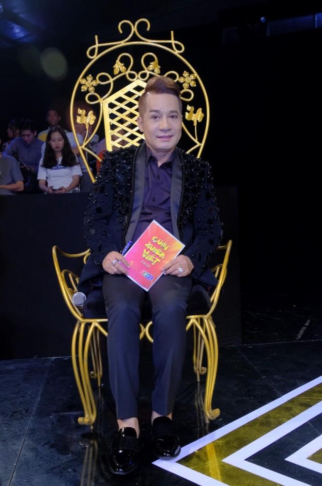 Cười Xuyên Việt: BB Trần diễn không thoại, Hải Triều hi sinh thân mình hỗ trợ đồng nghiệp - ảnh 1
