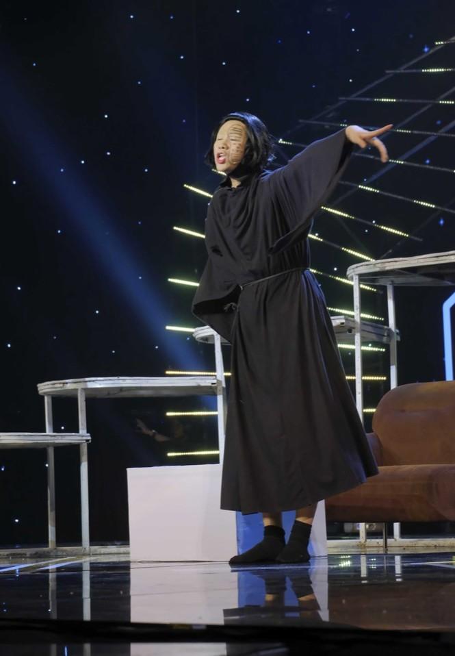 Cười Xuyên Việt: BB Trần diễn không thoại, Hải Triều hi sinh thân mình hỗ trợ đồng nghiệp - ảnh 6