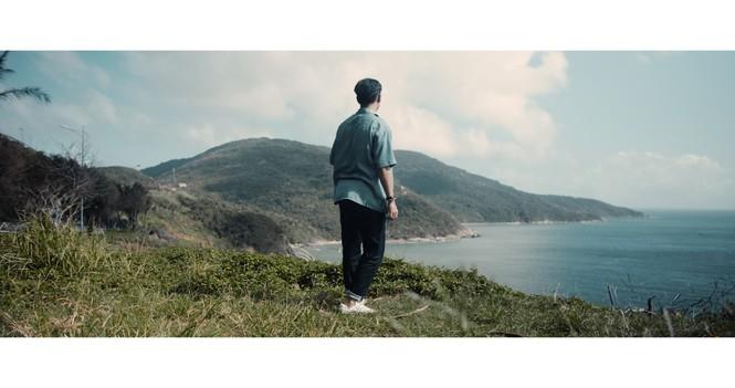Jay Quân kết hợp rapper Chị Cả trong ca khúc mới, tung MV đẹp như mơ tại Đà Nẵng - ảnh 1