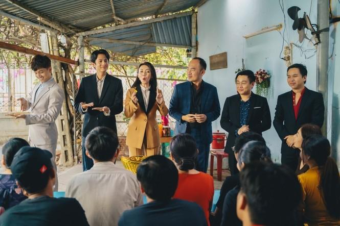Phim hài Tết của Tiến Luật đạt Top 1 Trending, Thu Trang nói điều này với chồng - ảnh 7