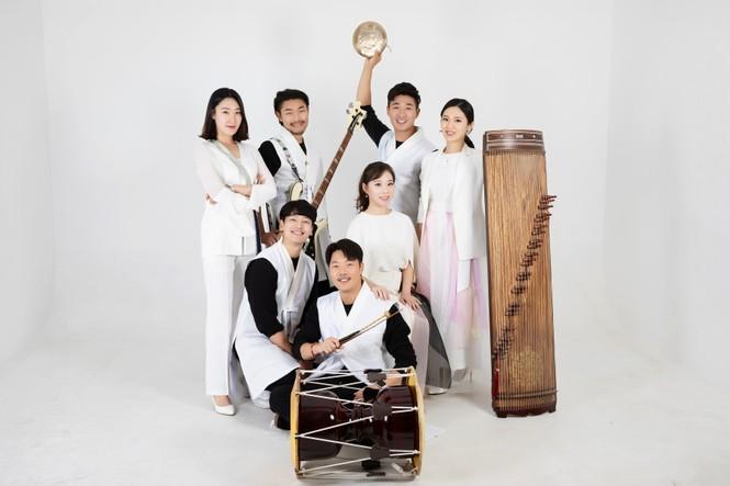 Sao Hàn – Việt lần đầu tụ hội ở phố cổ Hội An - ảnh 1