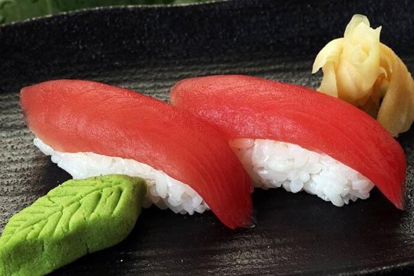 Sushi: Ngon, bổ nhưng... độc, biết mà tránh kẻo rước họa vào thân - ảnh 1