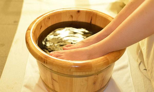 Ngâm chân nước nóng: Cực tốt và cực độc, biết mà tránh kẻo ân hận mấy cũng muộn - ảnh 4