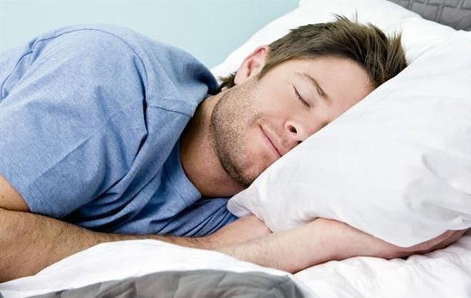 Những tư thế ngủ 'giết hại' sức khỏe, tùy thể trạng mà tránh  - ảnh 2