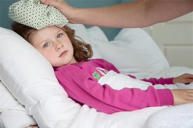 Gia tăng trẻ mắc cúm, bác sỹ yêu cầu cha mẹ cấm làm việc này vì sẽ hại con - ảnh 2
