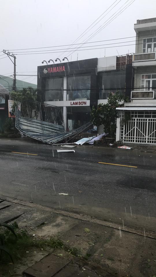 Bão số 9 đổ bộ Quảng Nam - Quảng Ngãi, giật cấp 13 - ảnh 15