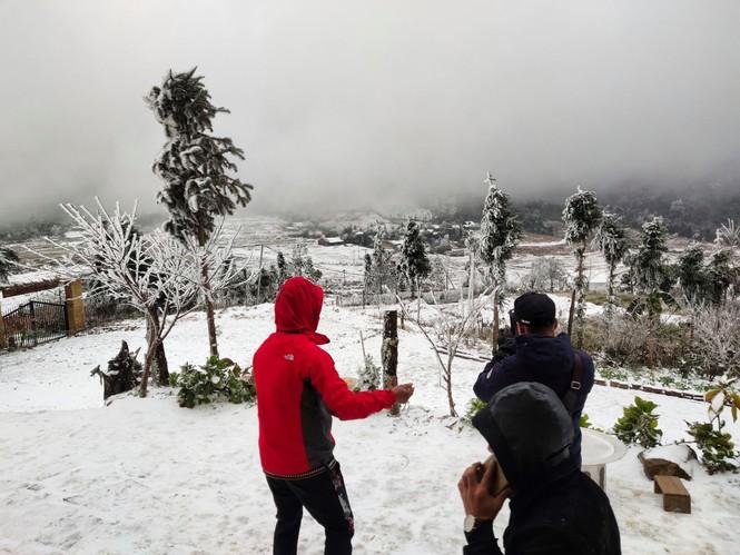 Băng tuyết phủ trắng Y Tý và đèo Ô Quy Hồ - ảnh 14