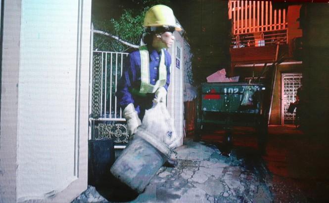 Nỗi lòng những nữ nhân viên môi trường tại Huế bị người dân xua chó cắn - ảnh 4