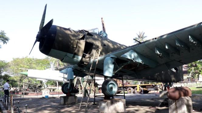 Xem bộ đội tháo rời máy bay tại Huế để chuyển về nơi mới của bảo tàng - ảnh 2