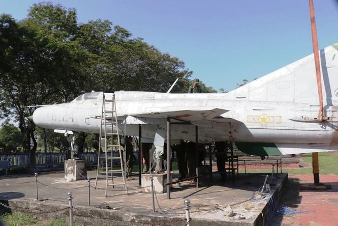 Xem bộ đội tháo rời máy bay tại Huế để chuyển về nơi mới của bảo tàng - ảnh 10