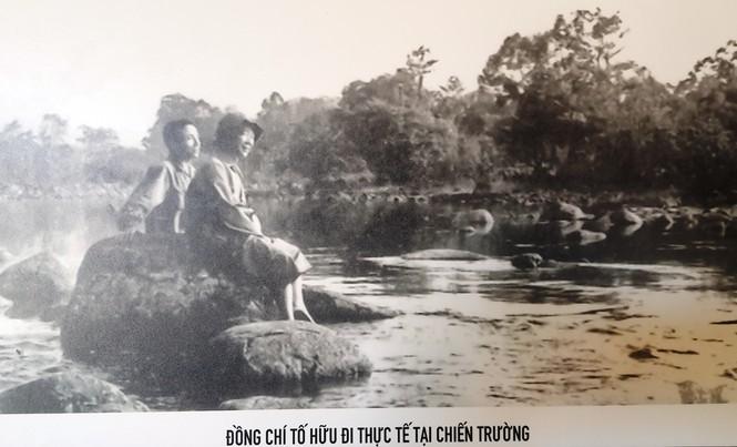 Chân thực những hình ảnh đi cùng năm tháng về nhà thơ Tố Hữu - ảnh 12