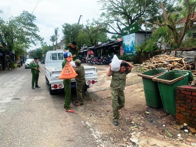 Người dân Huế không được ra khỏi nhà từ 21h tối 27/10 để tránh bão - ảnh 3