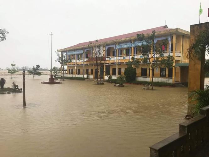 Từ 20 giờ tối nay, Đà Nẵng yêu cầu người dân không ra khỏi nhà để tránh bão số 9 - ảnh 42