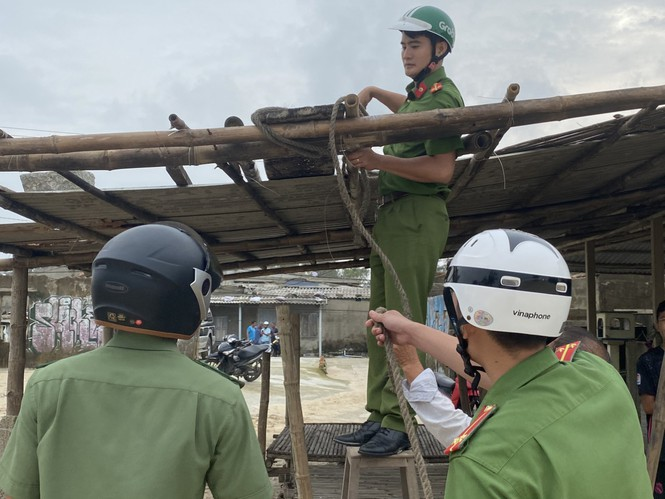 Từ 20 giờ tối nay, Đà Nẵng yêu cầu người dân không ra khỏi nhà để tránh bão số 9 - ảnh 1