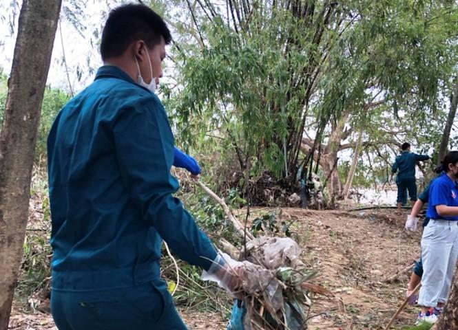 TT-Huế: Huy động tổng lực đoàn viên ra quân xử lý môi trường, giúp dân sau bão lũ - ảnh 14