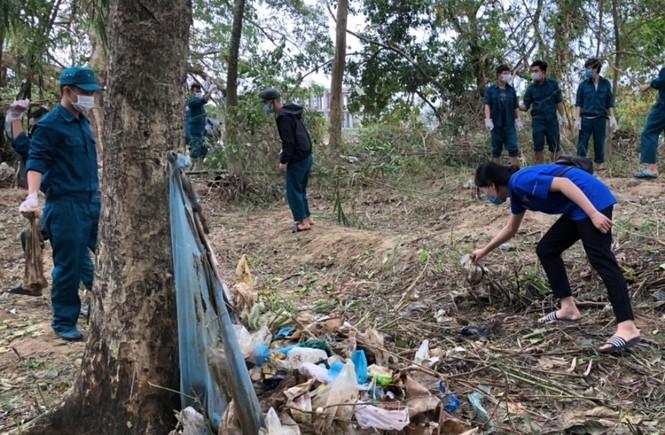 TT-Huế: Huy động tổng lực đoàn viên ra quân xử lý môi trường, giúp dân sau bão lũ - ảnh 15