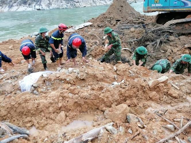 Tính phương án nắn sông Rào Trăng để tìm 12 nạn nhân còn mất tích - ảnh 2