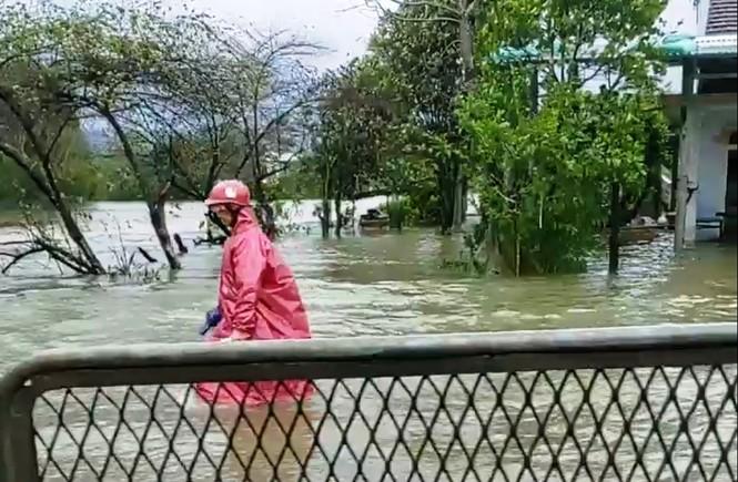 Học sinh Thừa Thiên Huế lại nghỉ học hàng loạt do mưa lũ - ảnh 5