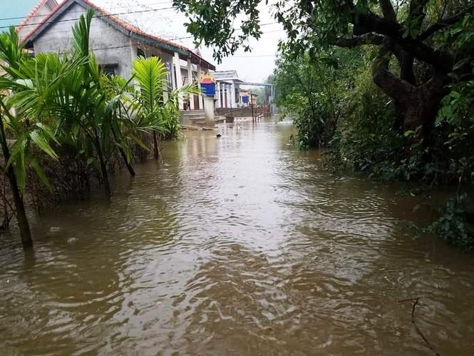 Học sinh Thừa Thiên Huế lại nghỉ học hàng loạt do mưa lũ - ảnh 6