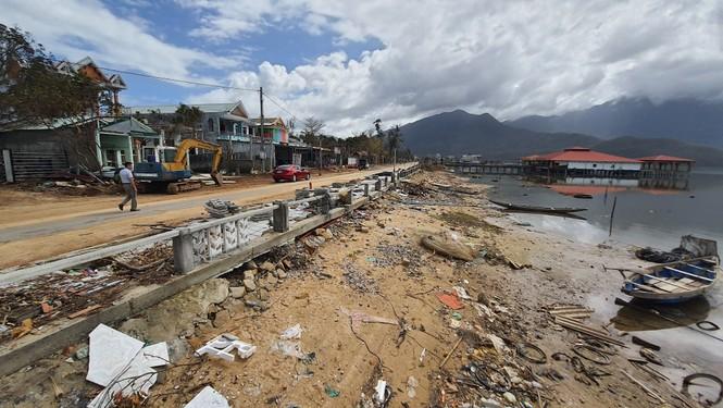 Phố đi bộ hơn 170 tỷ ven đầm ở Lăng Cô tan nát do thủy triều dâng cao? - ảnh 2