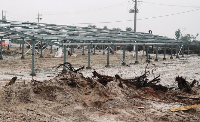 Rầm rộ làm trang trại 'điện mặt trời' tại TT-Huế:  'Áp mái' lên hàng loạt nhà... không mái - ảnh 5