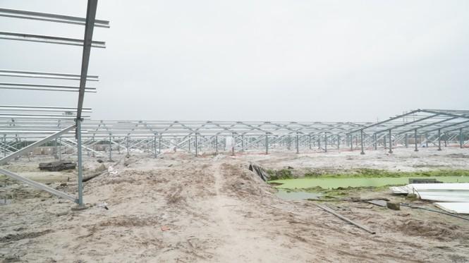 Rầm rộ làm trang trại 'điện mặt trời' tại TT-Huế:  'Áp mái' lên hàng loạt nhà... không mái - ảnh 3