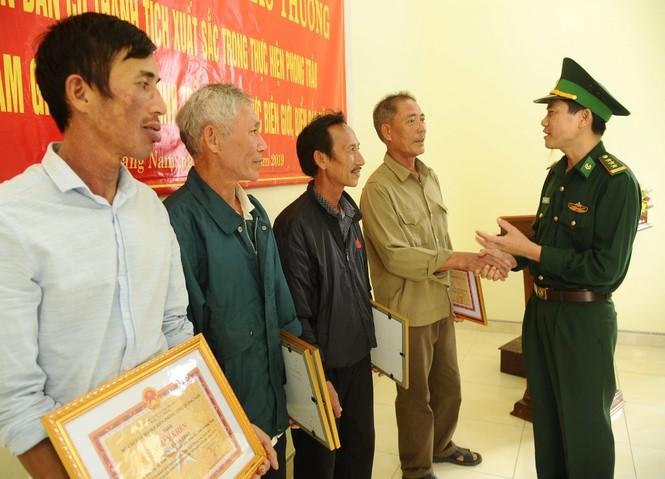 Thêm 1 bánh heroin nhặt được ở bờ biển Quảng Nam - ảnh 2