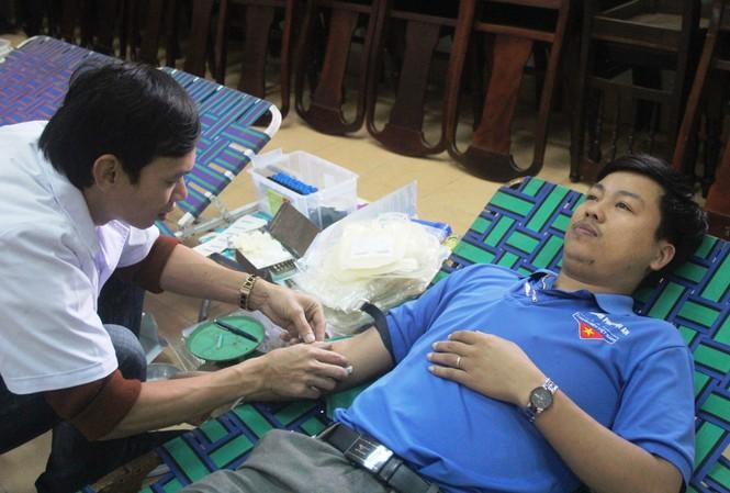 Bạn trẻ xứ Quảng hào hứng tham gia ngày hội hiến máu tình nguyện - ảnh 3