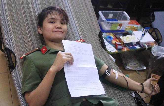 Bạn trẻ xứ Quảng hào hứng tham gia ngày hội hiến máu tình nguyện - ảnh 7