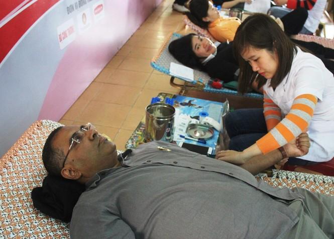 Bạn trẻ xứ Quảng hào hứng tham gia ngày hội hiến máu tình nguyện - ảnh 8