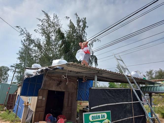 Từ 20 giờ tối nay, Đà Nẵng yêu cầu người dân không ra khỏi nhà để tránh bão số 9 - ảnh 25