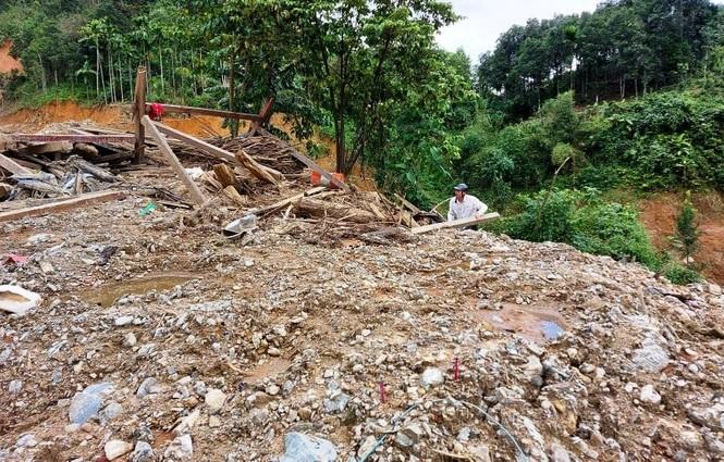 Nhiều tuyến đường ở huyện miền núi Nam Trà My tiếp tục sạt lở - ảnh 2