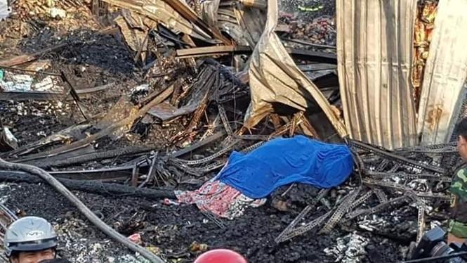 Cháy lớn thị trấn Năm Căn, một nữ sinh tử vong - ảnh 2