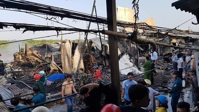 Cháy lớn thị trấn Năm Căn, một nữ sinh tử vong - ảnh 1