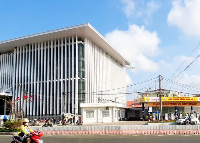 Tỉnh Cà Mau không cho tồn tại cây xăng cạnh trụ sở UBND - ảnh 2