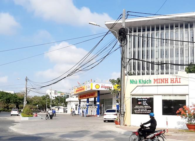 Tỉnh Cà Mau không cho tồn tại cây xăng cạnh trụ sở UBND - ảnh 3
