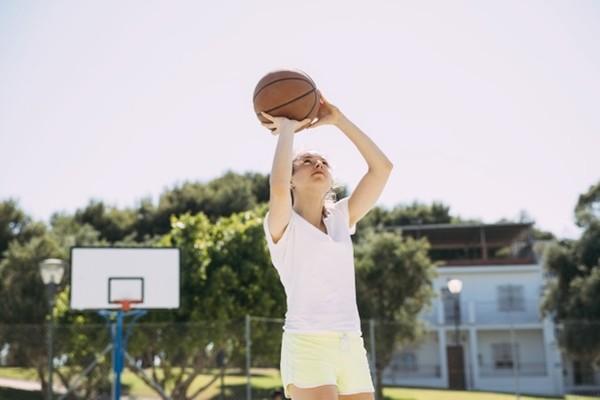 Nắng nóng thế này, bạn có nên mặc đồ lót cotton khi chơi thể thao không? - ảnh 3