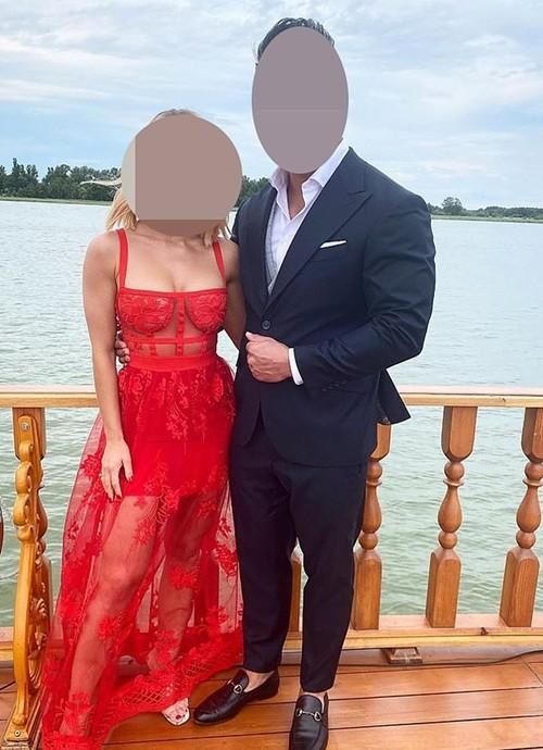 """Mặc đẹp để dự đám cưới bạn, cô gái này không ngờ bị netizen mắng mỏ vì lấn át """"nữ chính"""" - ảnh 1"""
