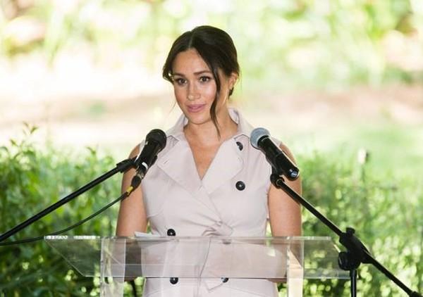 """Đi thi không được copy bài bạn, nhưng nữ công tước Meghan Markle bị tố """"nhái"""" Steve Jobs kìa - ảnh 3"""