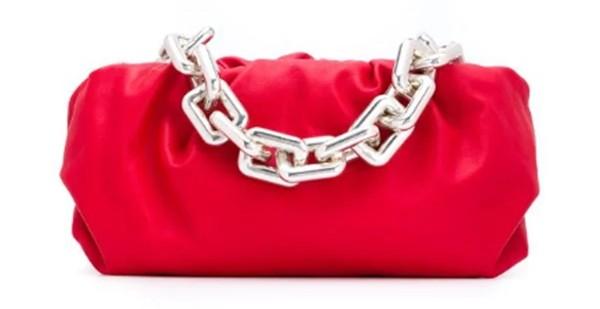 Đeo khẩu trang kín, nhưng Kylie Jenner gây chú ý với body chuẩn và đồ Bottega Veneta (đắt) đỏ - ảnh 3