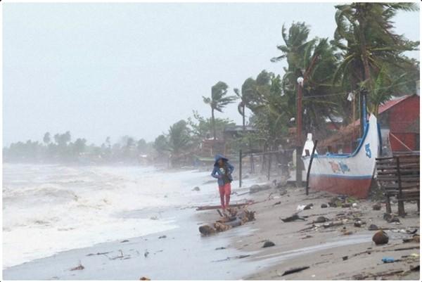 """Philippines ngày hôm sau siêu bão Goni: """"Không có nơi nào để đi, không có thứ gì để ăn"""" - ảnh 2"""