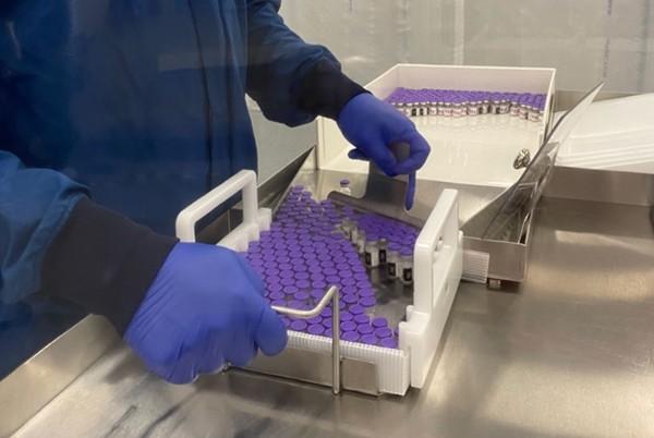 Vaccine COVID-19 vừa được duyệt khẩn cấp ở Mỹ, các hãng vận chuyển đã chuẩn bị kỹ thế nào? - ảnh 4