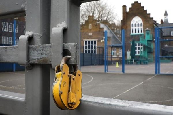 """Phong tỏa 3.0: Nước Anh dùng """"biện pháp mạnh"""" chống COVID-19, đóng cửa toàn bộ trường học - ảnh 2"""